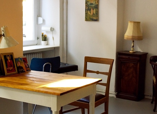 free tables in cosy coworking Neukölln (12055)!
