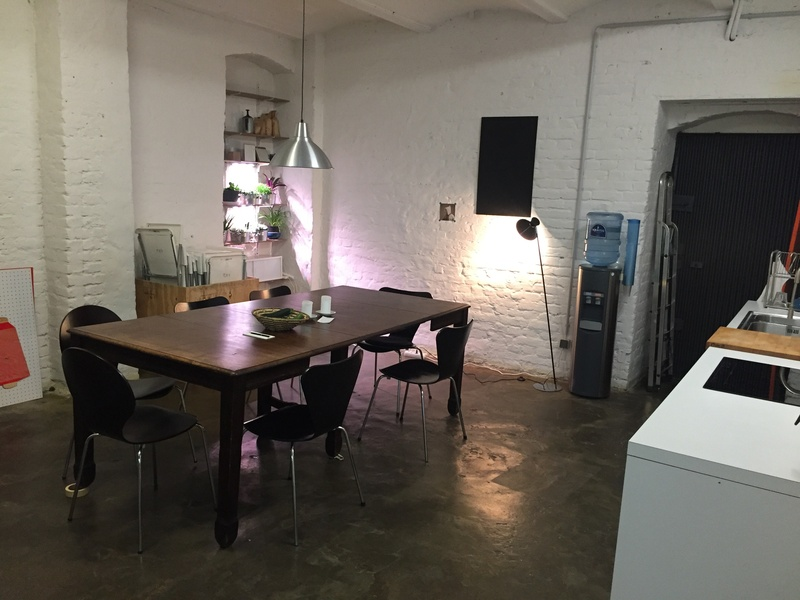 3+4 vacant desks available at co-working office in Kreuzberg