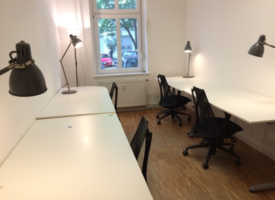 Team Room for 3-4 people close to Helmholtzplatz, Prenzlauer Berg