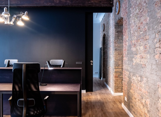 An ideal office for a team of 10-12 people