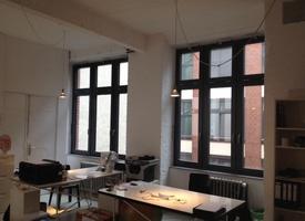 3-4 Schreibtische in einem Studio - Ateliergemeinschaft in Kreuzberg