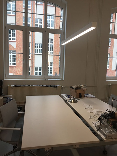 Berlin X-Berg/Alt-Treptow: Co-Working Space/2 desks available