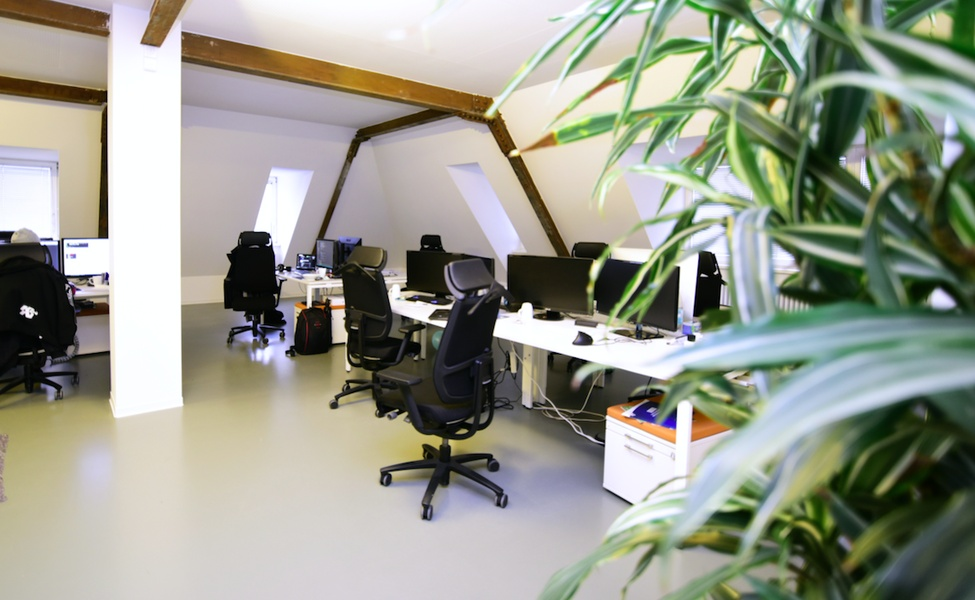 Up to 20 Desks and Premium Chairs in the top floor of an awesome building!