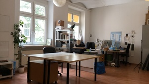 desk to rent on Maybachufer - creative atmosphere