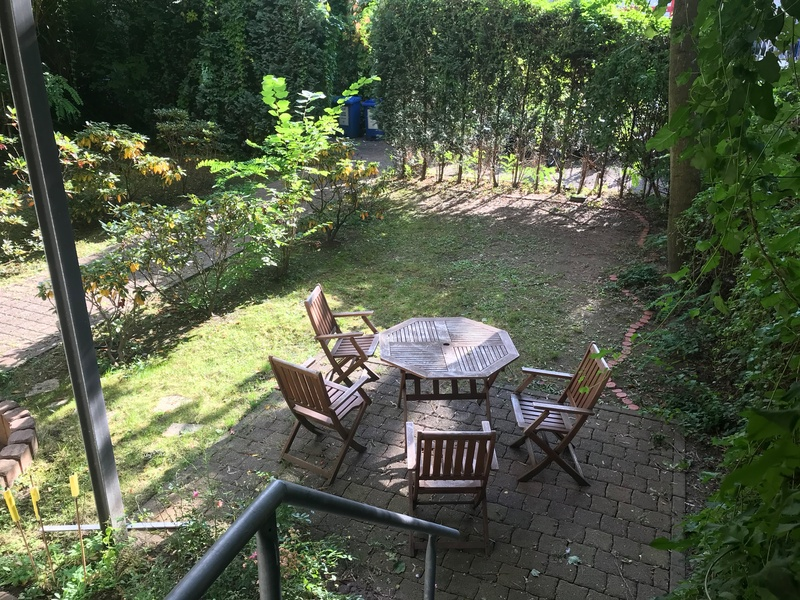 Office for 4-6 Desks. Zionkirchplatz/Senefelderplatz. Backyard-Garden.