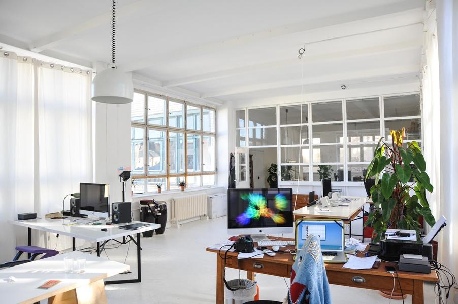 Arbeitsplatz in Kreuzberger Fotostudio