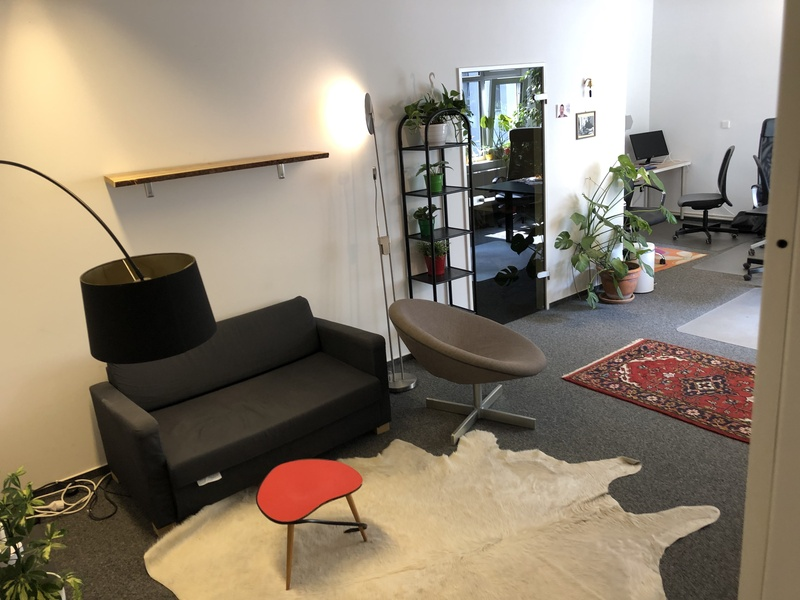 Great and cheap office opportunity in Graefekietz starting October 1st!