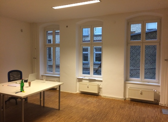 ROOM: 25m², Berlin Mitte, Rosenthaler Platz, WiFi, Cleaning Service