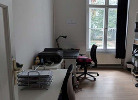 Office room for two people incl. desks, WIFI, kitchen etc. (490 EUR net)