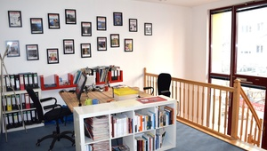 1 Desk in a 100 m² Office - Rosenthaler Platz