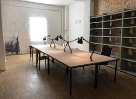 Arbeits- /Büroplatz zu vermieten - Work with us!