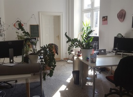 Furnished room in bigger office space (4 - 6 desks)