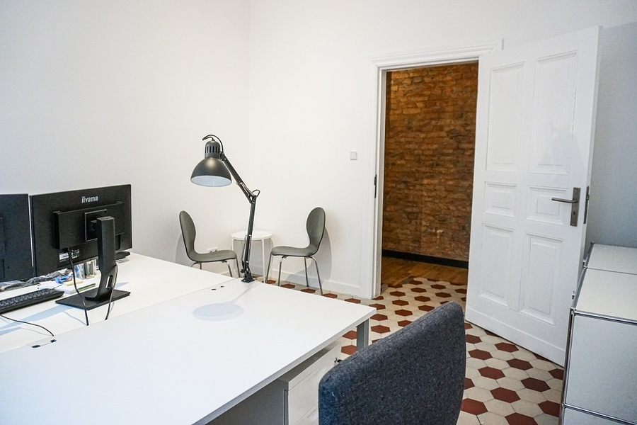 Schöner Büroraum in moderner Büroetage neben Charlottenburger Rathaus