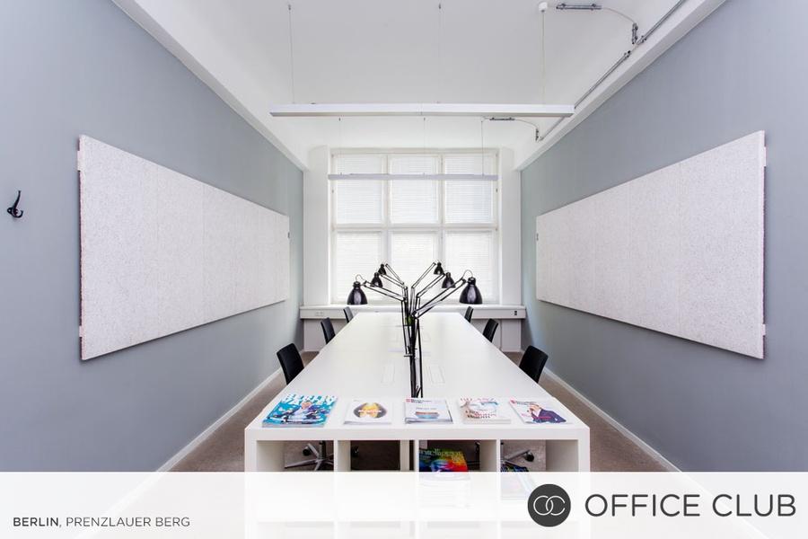 Feste Schreibtische in schickem Coworking Space
