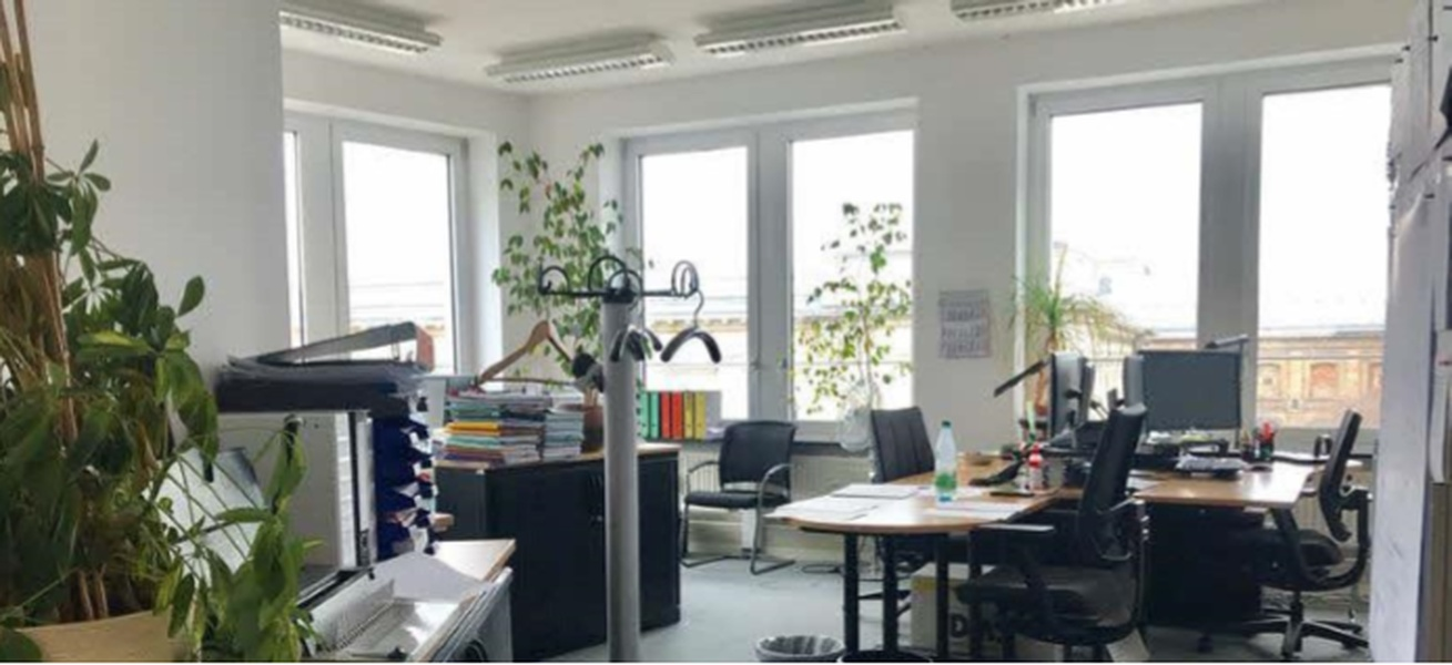 Office Space Sublet in the heart of Berlin