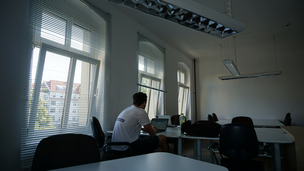 Desks available on the Maybachufer at collaborative and creative coworking