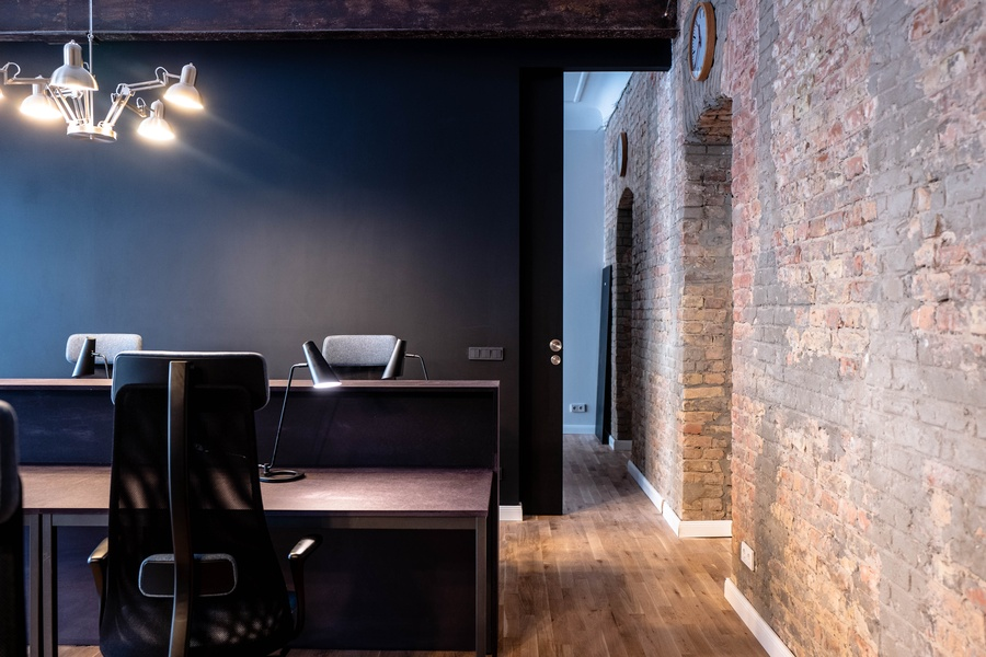 Quiet and efficient office for Team of 18 people in trendy Winskiez
