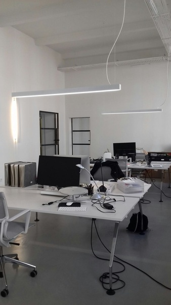 2 (auf 3 erweiterbare) helle Büroplätze in Gemeinschaftsbüro im Gewerbepark Bouchéstraße (X-berg/Alt Treptow)