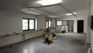 11€ WARM - Large bright office in Berlin Südkreuz