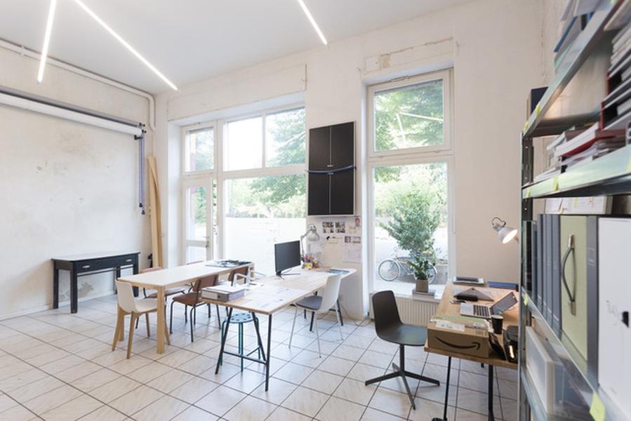 Free desk in Kreuzberg Office