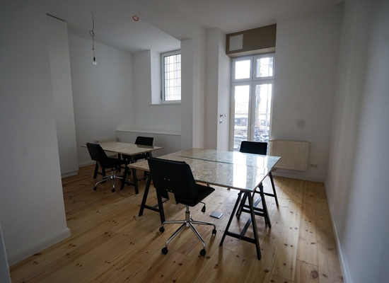 Private Room in Sunny Kreuzberg Office