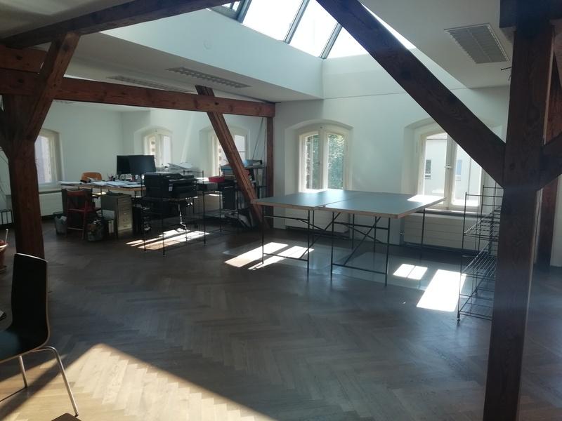 Share 2-3 Desks in Bergmannkietz!