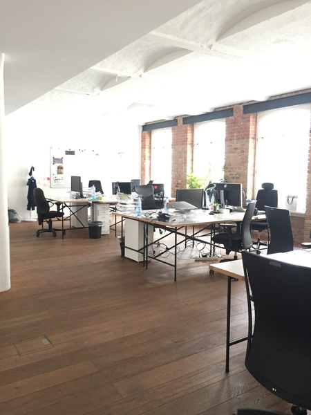 Bright Shared Office in Mitte