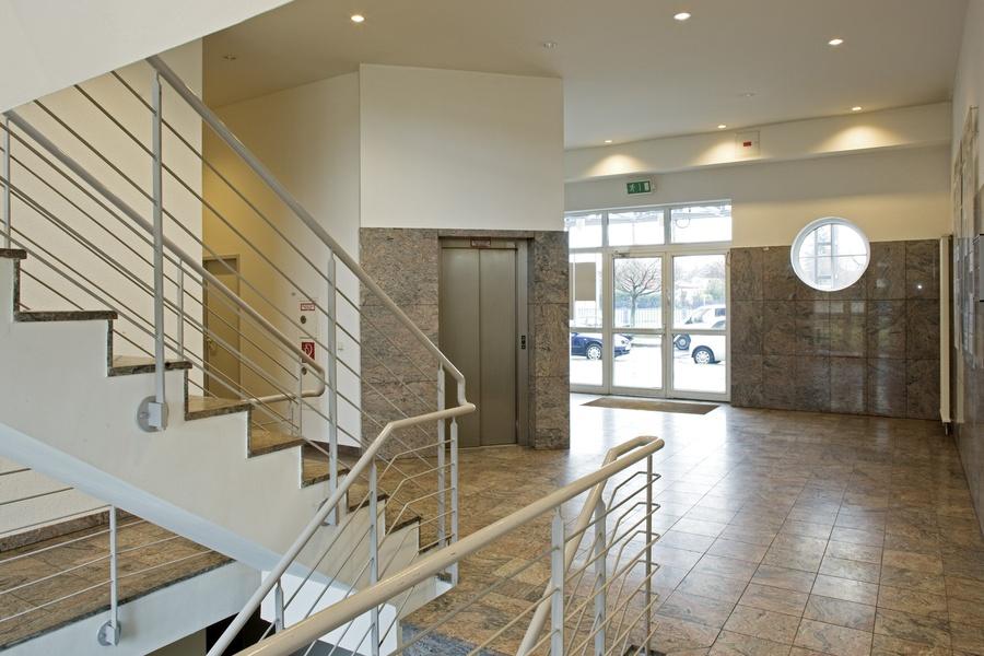 Office-Rooms to let    -    schöne helle Arbeitsbüros zu vermieten