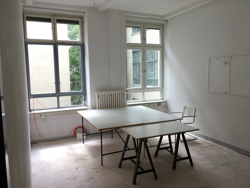 Very beautiful, luminous and big team room in the heart of Kreuzberg