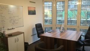 ROOM: CoWorking Space - Desks - Office Bürogemeinschaft - Arbeitsplatz - Nähe Zoo - coworkingspace - Room - Raum