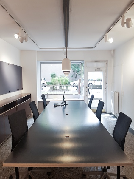 Free office space in nice central location