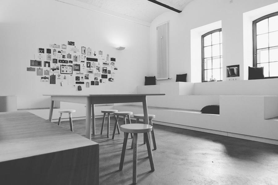 10-14 desks, left part of our office, Alte Königstadt (Prenzlauer Berg/ Mitte/ Schönhauser Allee)