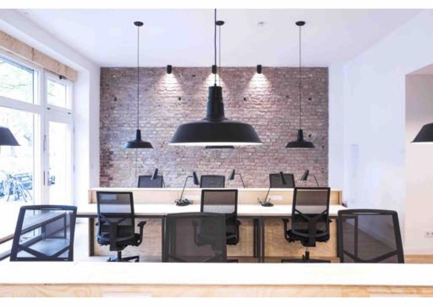 Koppenplatz: Plug&Play Büro in Berlin Mitte für 12-18 Mitarbeiter mit Terrasse