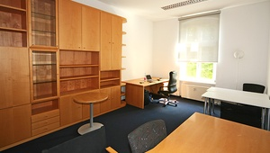 Office Space in Schönhauser Allee, including garden!